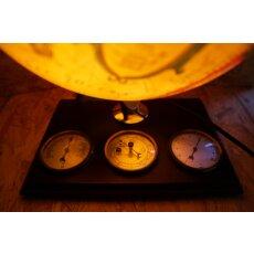Antikstil-Leuchtglobus mit Wetterstadion