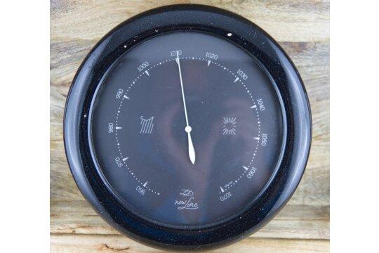 Wandbarometer newLine